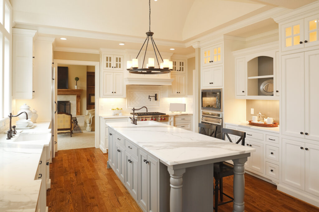 Rise Interiors - Warm Elegant Custom Kitchen